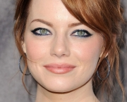 Emma-Stone-Prom-Makeup-Ideas-as-2012-Celebrity-Makeup-800x538